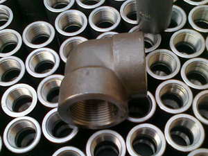 Alloy Steel F12 Threaded Forged Fittings